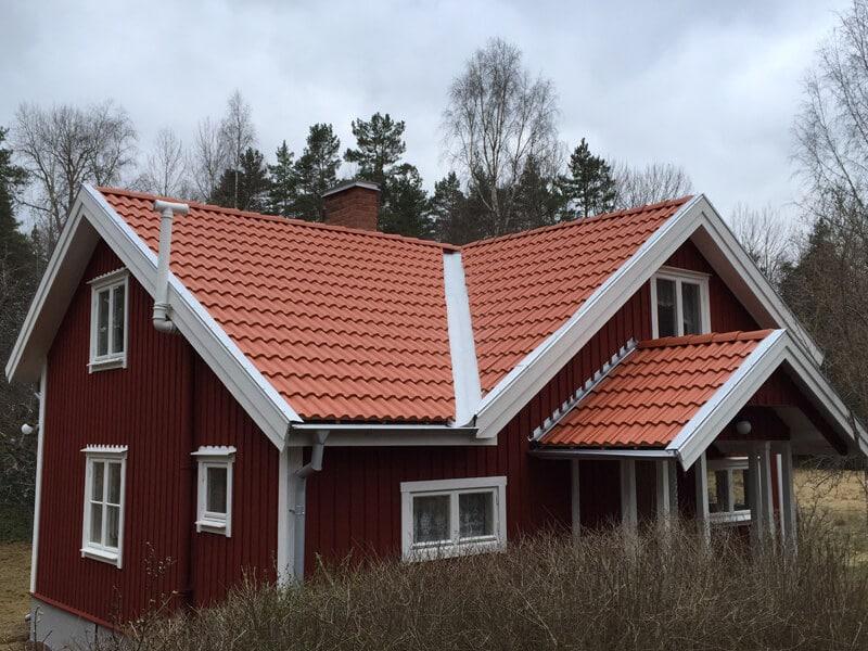 Takläggning i Järna utanför Södertälje 1